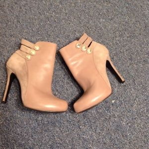 GUESS BOOTIES VESH SUEDE & LEATHER SIZE 7